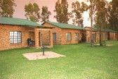 Eastco Magaliesburg Vakansie oord Shed, Outdoor Structures, Cabin, House Styles, Home Decor, Decoration Home, Room Decor, Cottage, Sheds