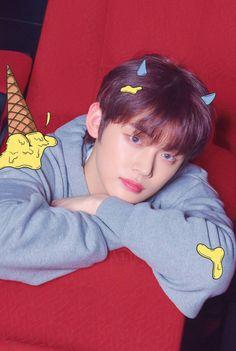 TXT unveil second set of concept photos for the debut album 'The Dream Chapter: Star' Billboard Music Awards, Big Hit Entertainment Bts, Fandom, Kai, Rapper, Chuu Loona, Steve Aoki, The Dream, Debut Album