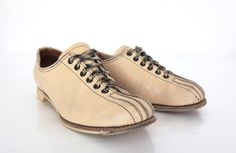 Vintage Bowling Shoes in Cream and Black Leather Womens 7 by xoUda