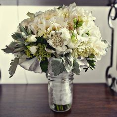modern wedding bouquet