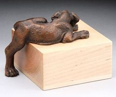 Louise Peterson - Great Danes - Leg Up, bronze edition. Sculpture Projects, Dog Sculpture, Animal Sculptures, Weimaraner, Animal Garden Ornaments, Great Dane Dogs, Dog Paws, Animal Paintings, Polymer Clay Jewelry