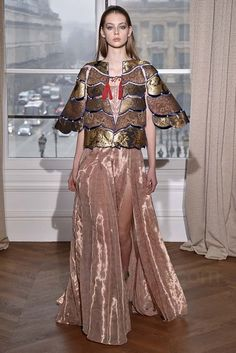 Schiaparelli, Haute Couture Spring 2017, Paris, firstVIEW.com