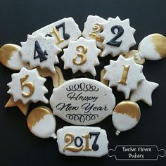 New Years 2017 Filled Cookies, Cut Out Cookies, Cute Cookies, Cupcake Cookies, Decorated Cookies, Sugar Cookie Royal Icing, Iced Sugar Cookies, New Year's Cupcakes, New Years Cookies