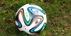 Bist du WM-Experte? - Bis zum 13. Juli kämpfen 32 Nationalmannschaften in Brasilien um den Weltmeistertitel - und wir Fans freuen uns auf spannende Spiele. Wie gut kennst du dich mit dem Turnier und der Geschichte der Fußball-WM aus? Teste dein Wissen im Pointer-Quiz!