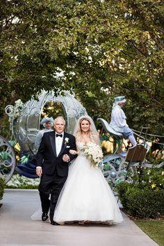 55 Ideas Wedding Disney Ideas The Bride For 2019 Fall Wedding, Diy Wedding, Wedding Venues, Wedding Ideas, Wedding Disney, Wedding Backdrops, Disney Weddings, Bridesmaid Inspiration, Wedding Venue Inspiration