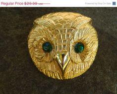 15 SALE Rare Jeanne Owl Brooch Emerald by SoSwankVintage on Etsy, $25.49