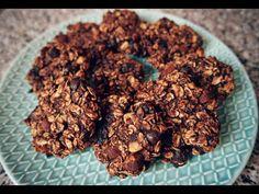 Biscuiți din Fulgi de Ovăz - YouTube Biscuit, Youtube, Almond, Herbs, Food, Banana, Cookie Favors, Meal, Eten