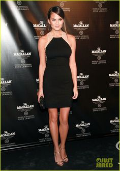 Stacy Keibler: Annie Leibovitz's 'Macallan Masters' Exhibit Launch!