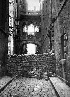 Carrer del Bisbe Irurita, Spanish civil war. Unknown photographer