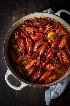CALDEIRADA (seafood stew) ~~~ a caldeirada is the portuguese version of a french bouillabaisse, greek kakavia, spanish zarzuela, italian cacciucco, or italian-american cioppino. recipe gateway: this post's link + www. Seafood Stew, Fresh Seafood, Seafood Dishes, Fish And Seafood, Shellfish Recipes, Seafood Recipes, Cooking Recipes, Cooking Kids, Healthy Cooking