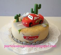 Pasteles Encantados: Tarta Rayo McQueen Disney Cars Birthday, Cars Birthday Parties, Car Cake Tutorial, Royal Icing Cakes, Mcqueen Cake, Carousel Cake, Frosting Tips, Diy Cake, Cakes For Boys