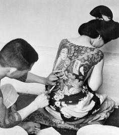 The original painted ladies: Vintage photographs reveal incredible head-to-toe tattoos on women in the Twenties, Thirties and Forties Toe Tattoos, Body Art Tattoos, Tatoos, Ansel Adams, Yakuza Style Tattoo, Rik Lee, Herbert List, Traditional Japanese Tattoos, Japanese Style