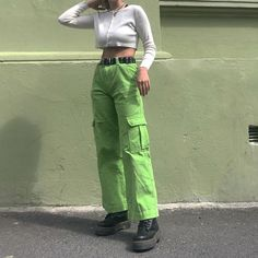 Cute aesthetic trendy outfit with mom jeans and tank tops brandy Melville pretty skirt Indie Outfits, Cute Casual Outfits, Grunge Outfits, Fashion Outfits, Fashion Tips, Mode Grunge, Grunge Look, Grunge Style, 90s Grunge
