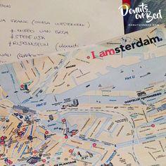 Amsterdam #stiamoarrivando Stiamo preparando il nostro itinerario di viaggio. #map #vacation #itinerary #vacanza #amsterdam #itinerario #cartina #holiday #visiting