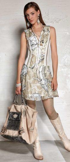 Item 79 Skirt Fashion, Fashion Outfits, Womens Fashion, Style Feminin, Elisa Cavaletti, Fashion Details, Fashion Design, Looks Vintage, Mode Inspiration
