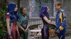 Where's fairy Godmother when you need her Descendants Mal And Ben, Disney Channel Descendants, Descendants Cast, Disney Channel Stars, Disney Fun, Disney Movies, China Anne Mcclain, Decendants, Sofia Carson