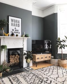 How to decorate your home with black paint. Black living room home decor. Scandinavian inspired living room decor inspiration Source by Viva_La_Villa Victorian Living Room, Mid Century Modern Living Room, New Living Room, Living Room Interior, Home And Living, Small Living, Living Room Accent Wall, Cosy Living Room Grey, Living Room Wall Colours