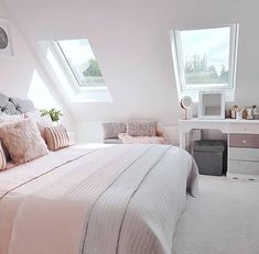 143 bedroom ideas for small rooms page 3 Cute Bedroom Decor, Bedroom Decor For Teen Girls, Room Ideas Bedroom, Stylish Bedroom, Small Room Bedroom, Small Rooms, Attic Bedroom Ideas For Teens, Bedroom Inspo, Teen Bedroom Designs