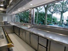Sant Pau Restaurant Kitchen Equipment, Restaurant Kitchen Design, Bakery Kitchen, Outdoor Restaurant, Kitchen Layout, Industrial Kitchen Design, Kitchen Interior, Shop Interior Design, House Design