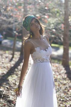 bohemian sexy wedding dresses | Romantic Flowy Bohemian Style Wedding Dresses | The Wedding Gowns