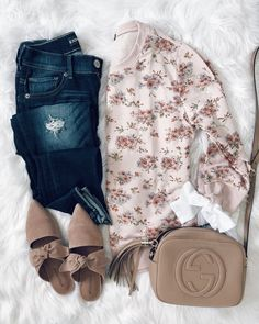 IG- @sunsetsandstilettos- #casual #outfit #sweatshirt #inspiration