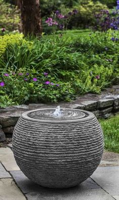 Urban Garden Design Sonora Large Fountain in Stone Ledge Large Backyard Landscaping, Landscaping With Rocks, Landscaping Tips, Landscaping With Fountains, Landscape Fountains, Landscaping Borders, Modern Backyard, Modern Landscaping, Backyard Patio