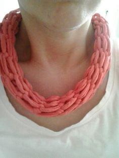 Andere sjaal van tshirt garen.