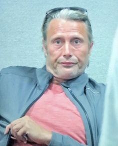 Mads Mikkelsen looking like dang girl what are you looking at Nbc Hannibal, Hannibal Lecter, Hot Actors, Actors & Actresses, Danish Prince, Gary Oldman, Hugh Dancy, Human Emotions, Mads Mikkelsen