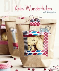 Gift Wrapping Inspiration : beautiful cookie bags with a window using masking tapes so amazing! by Tabul Homemade Gifts, Diy Gifts, Diy Presents, Diy Arts And Crafts, Inspirational Gifts, Cool Diy, Washi Tape, Christmas Diy, Creations