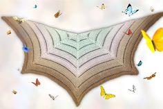 Jetzt die PDF-Anleitung herunterladen und ein Zackentuch häkeln, das an ausgebreitete Schmetterlings-Flügel erinnert. Probiers gleich mal aus mit der Wolle.