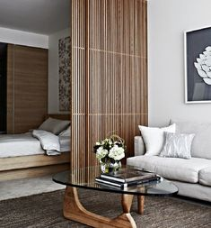 Modern room divider can create a sense of privacy, hide problem areas in the home or mark the point between a living room and another. Room divider is very useful in large open spaces and ceilings crying on separate, smaller and more intimate areas alive. Home Interior, Modern Interior, Interior Architecture, Interior Designing, Small Apartments, Small Spaces, Studio Apartments, Sliding Room Dividers, Space Dividers