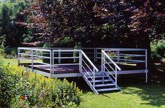 Systempodium mit umlaufendem Geländer und Treppe #Eventzelte #Zeltausstattung Garden Bridge, Party, Outdoor Structures, Outdoor Camping, Stairs, Decorations, Parties