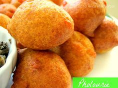 The Inner Gourmet: Guyanese Pholourie Love this! Great snack that I'm glad to have found again. Indian Food Recipes, Gourmet Recipes, Cooking Recipes, Vegan Recipes, Delicious Recipes, Appetizer Recipes, Delicious Appetizers, Ethnic Recipes, Curry Recipes