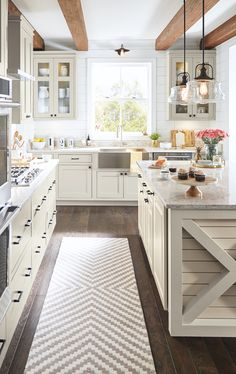 Whether you dream of a casual farmhouse kitchen or prefer sleek and modern, we h. Whether you dream of a casual farmhouse kitchen or prefer sleek and modern, we have the inspiration and ideas to help you plan your dream kitchen! Farmhouse Kitchen Tables, Modern Farmhouse Kitchens, Home Decor Kitchen, Rustic Kitchen, New Kitchen, Home Kitchens, Kitchen Ideas, Kitchen Designs, Kitchen Modern