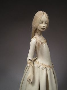 Paperclay Art Doll por OOAKningyo - One of a kind art doll hand crafted in Japanese papercly and mixed media (doll hair, cotton lace). No commercial molds were used for this work.