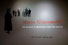 [X로거가 만난 전시회]마리오 쟈코멜리 - The Black is waiting for the white   이번 주 X로거는 한미사진미술관에서 열린   마리오 쟈코멜리 회고전에 다녀왔답니다.   정갈한 흑백사진이 주는 따뜻한 감동   마치 시인의 시선으로 담은듯한 그의 사진들이   X로거의 마음에 큰 감동을 주었어요!   그의 예민한 감성이 전해지는 사진전.   후지필름 블로그에서 만나보세요^-^     http://blog.naver.com/fujifilm_x/150154976506