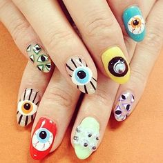 Eyeball nails!