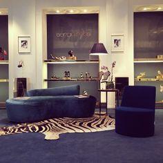 #sergiorossi#showroom#milan#ss14 Jewelry Store Design, Jewelry Stores, Showroom Design, Interior Design, Shoe Room, Jewellery Showroom, Brand Store, Shop Window Displays, Visual Merchandising