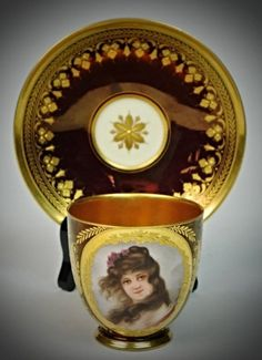 19TH CENTURY BERLIN PORTRAIT CUP AND SAUCER : Lot 88