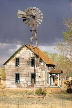 Abandonded house and windmill in Colorado Country Barns, Old Barns, Country Life, Country Living, Country Roads, Old Buildings, Abandoned Buildings, Abandoned Places, Abandoned Castles