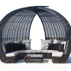 Sparta Lounge by Skyline Design