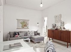 A WHITE AND GREY MIXED HOME (via Bloglovin.com )