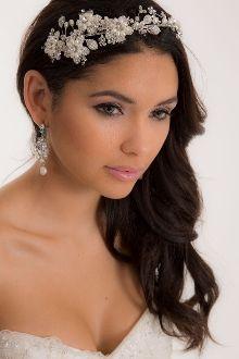The JUSTINA headband from Blue Luck Bridal.