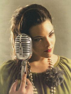 Caro Emerald - A Night Like This - https://www.youtube.com/watch?v=-tAFPapSwJk