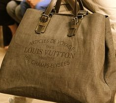 Louis Vuitton a summer must have.  I need this bag.