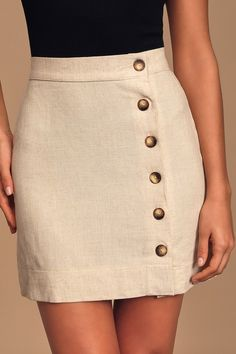 Keep it cute and classy in the Andrews Cream Button Front Mini Skirt! Lightweight, woven fabric creates this button front mini skirt with a high-rise fit. Fall Skirts, Summer Skirts, Cute Skirts, Mini Skirts, Women's Skirts, Grunge Outfits, Red Dress Uk, Mode Purple, Black Sparkly Dress