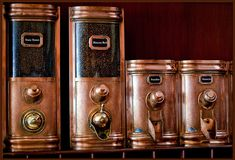 Way above and beyond the average coffee canister Copper Decor, Copper Art, Copper And Brass, Coffee Container, Coffee Canister, Bronze, Copper Kitchen, Vintage Coffee, Coffee Cafe