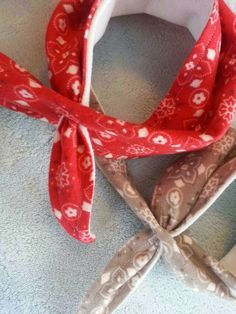 Free Pattern and Tutorial: Baby Dribble Bib Bandana, do snaps instead of this button hole tie thing