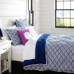 Quincy Scallop Super Pouf Comforter + Sham, Royal Navy | PBteen