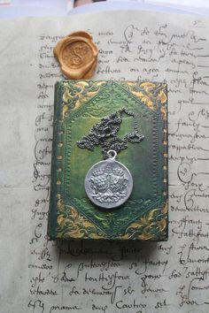 Wax seal pendant Heraldic seal pendant crested decorative Medieval Tower, Medieval Gothic, Medieval Fashion, Royal Jewelry, Silver Jewelry, Jewellery, Green Knight, Knight In Shining Armor, Medieval Jewelry